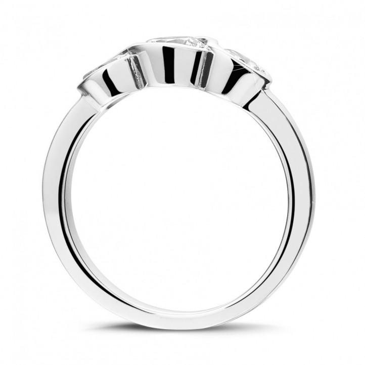 0.95 carat trilogy ring in platinum with round diamonds