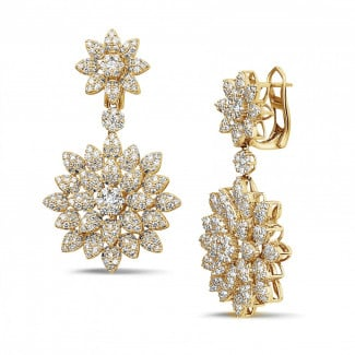 Classics - 3.65 carat diamond flower earrings in yellow gold