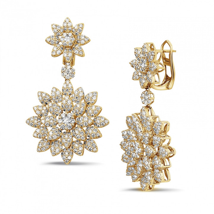 3.65 carat diamond flower earrings in yellow gold