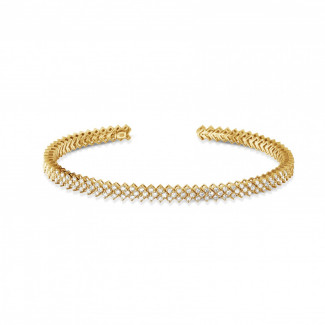 0.80 carat diamond bangle in yellow gold