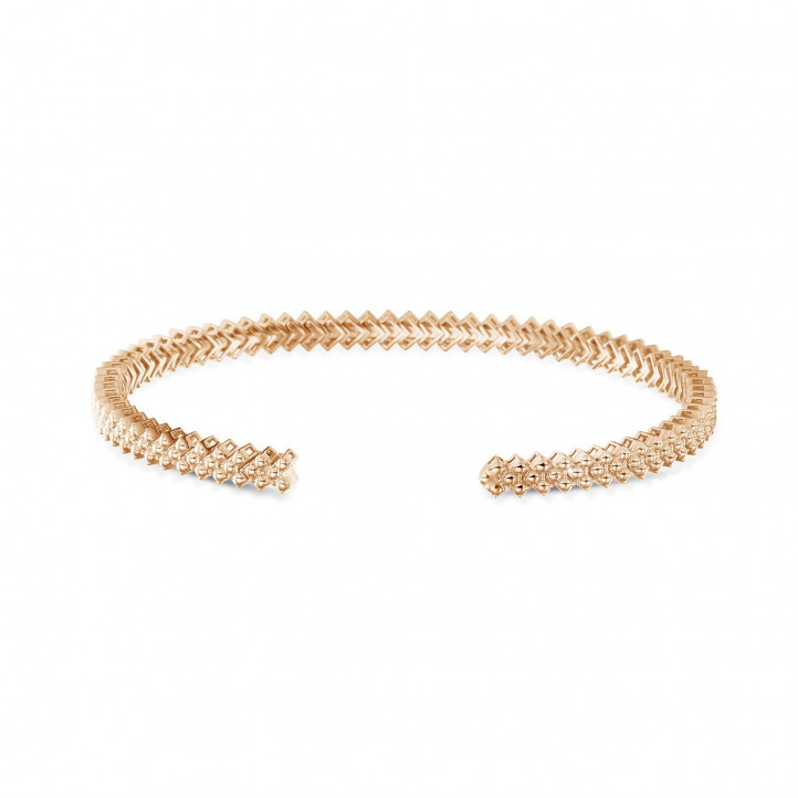 0.80 carat diamond bangle in red gold