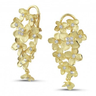 Yellow Gold - 0.70 carat diamond design floral earrings in yellow gold
