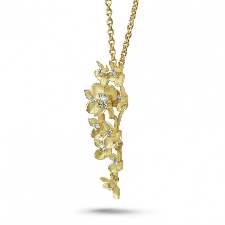 0.35 carat diamond design floral pendant in yellow gold