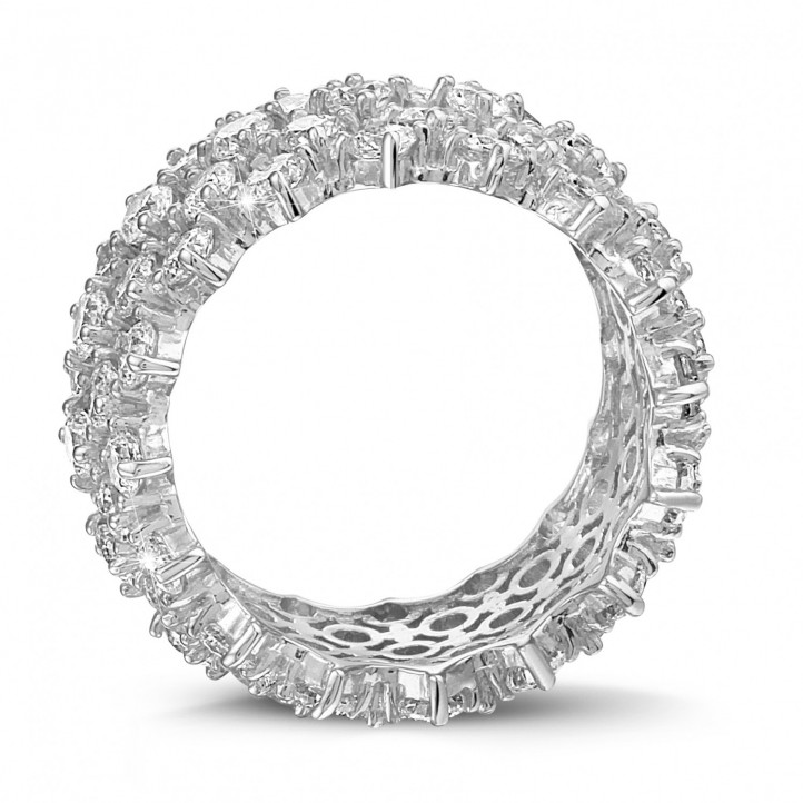 Ring in white gold with fishtail design