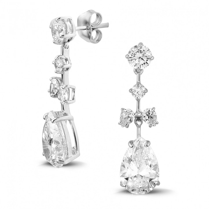 7.00 carat earrings in white gold with round and pear-shaped diamonds