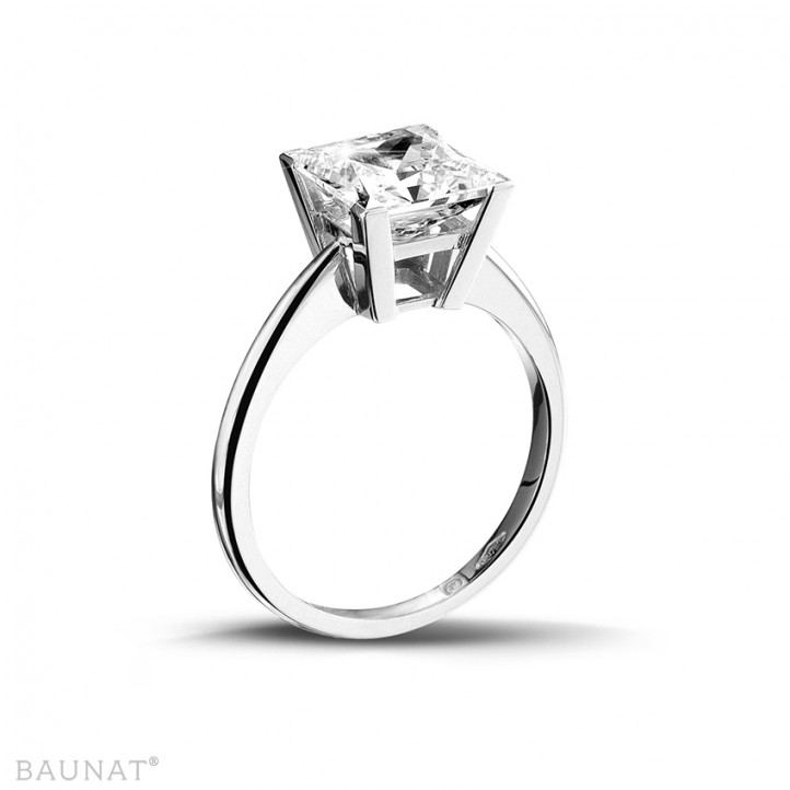 3.00 carat solitaire ring in white gold with princess diamond of exceptional quality (D-IF-EX)