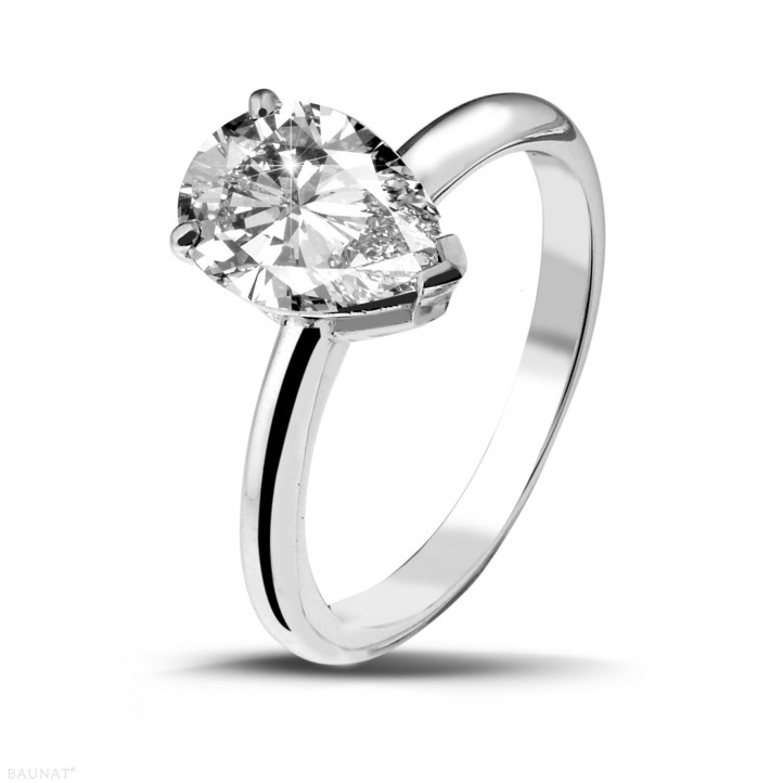 2.00 carat solitaire ring in white gold with pear shaped diamond of exceptional quality (D-IF-EX)