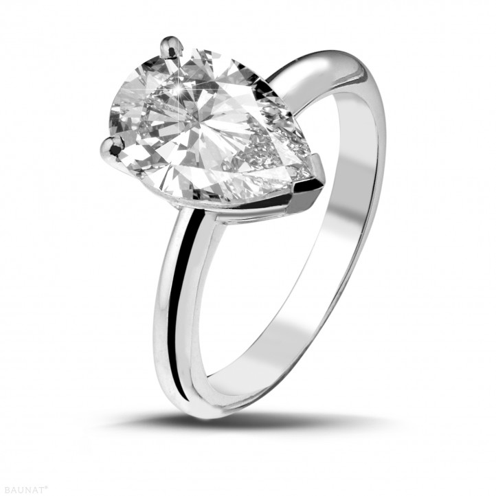 3.00 carat solitaire ring in white gold with pear shaped diamond of exceptional quality (D-IF-EX)