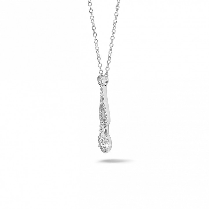 0.45 carat diamond necklace in white gold