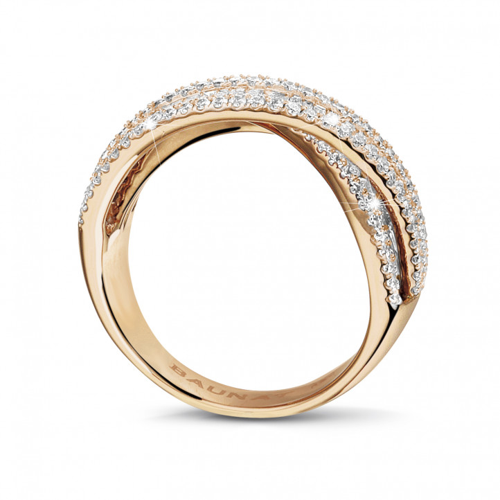 1.35 carat ring in red gold with round and baguette diamonds