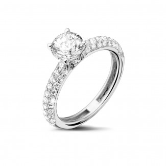 Rings - 1.00 carat solitaire ring (half set) in platinum with side diamonds