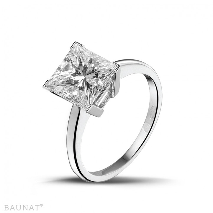 3.00 carat solitaire ring in white gold with princess diamond