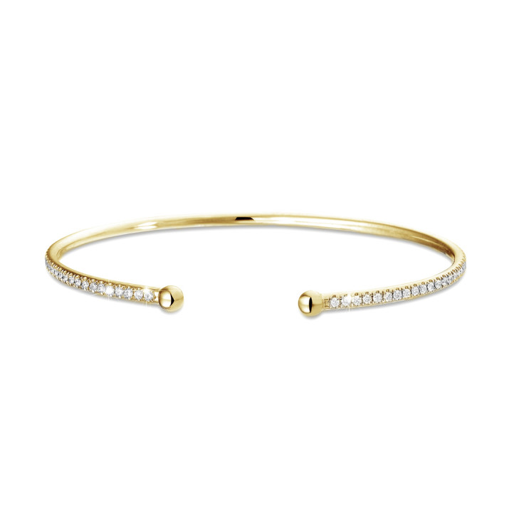 0.75 carat diamond bangle in yellow gold