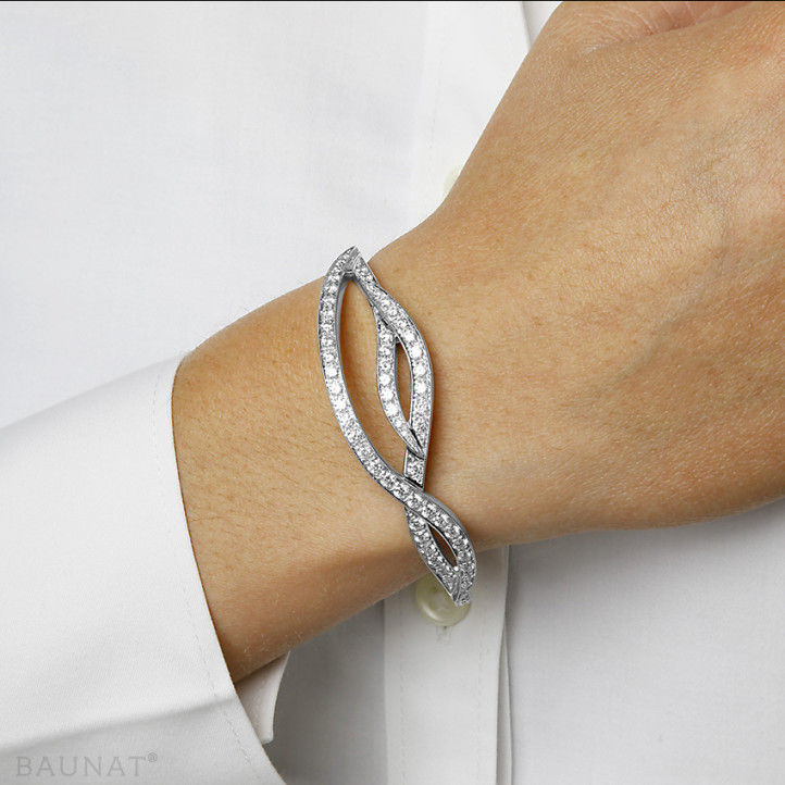 2.43 carat diamond design bracelet in white gold