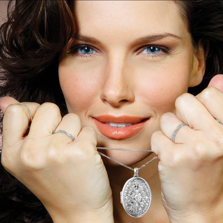 0.40 carat diamond design medallion in white gold