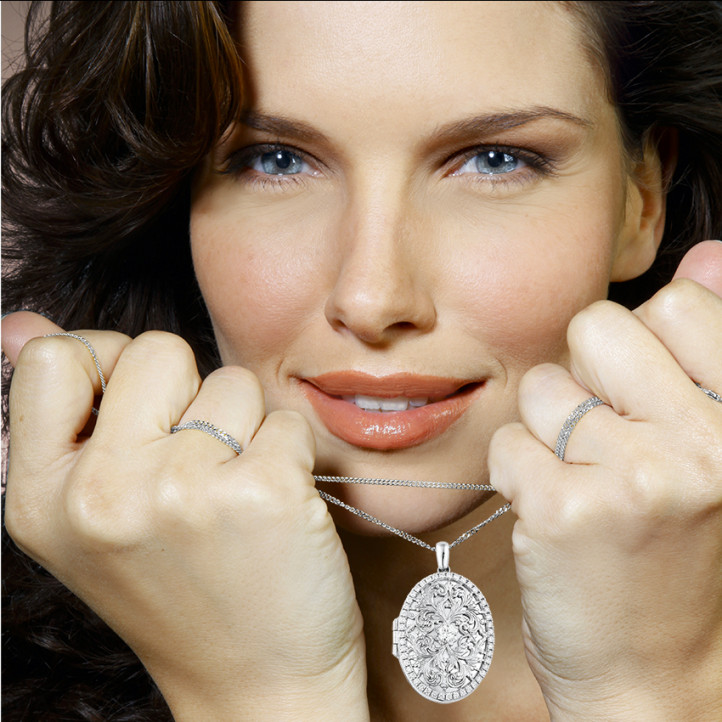 1.70 carat design medallion with small round diamonds in white gold