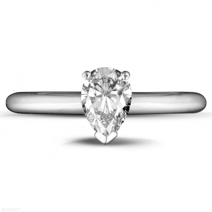 1.00 carat solitaire ring in white gold with pear shaped diamond
