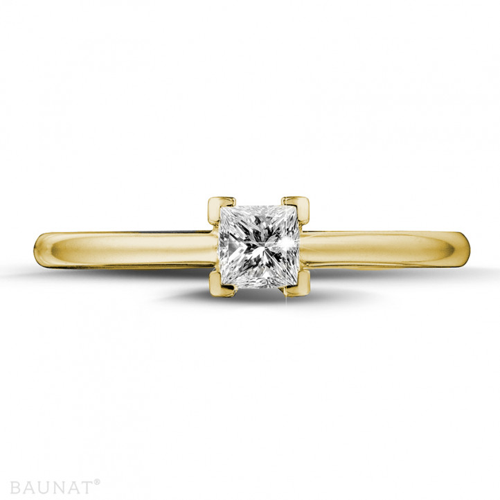 0.30 carat solitaire ring in yellow gold with princess diamond