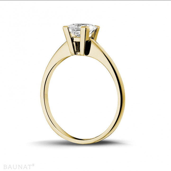 1.00 carat solitaire ring in yellow gold with princess diamond