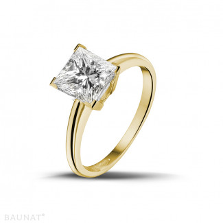 2.00 carat solitaire ring in yellow gold with princess diamond