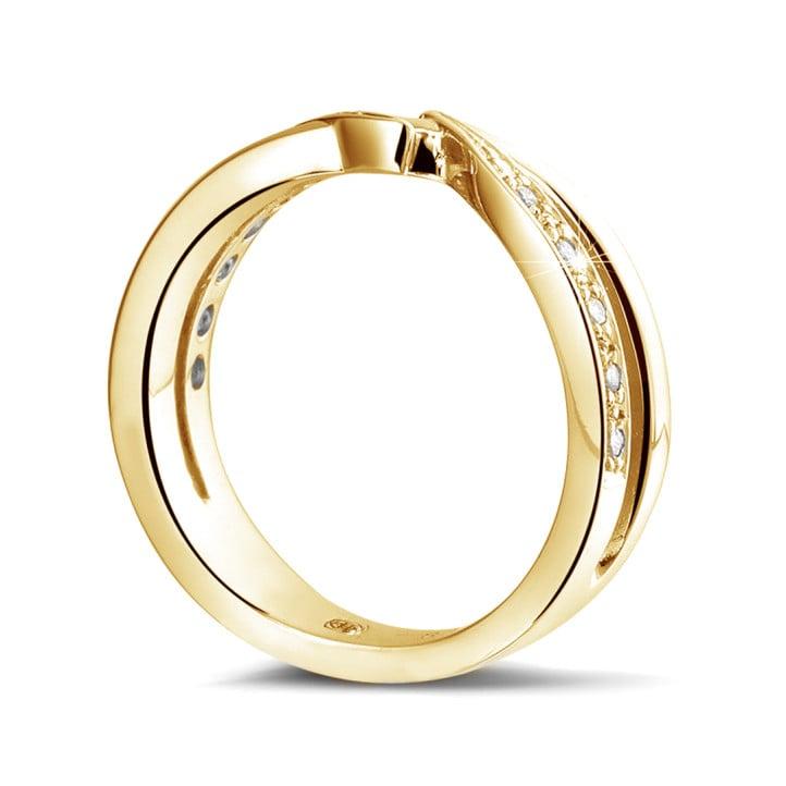 0.11 carat diamond ring in yellow gold