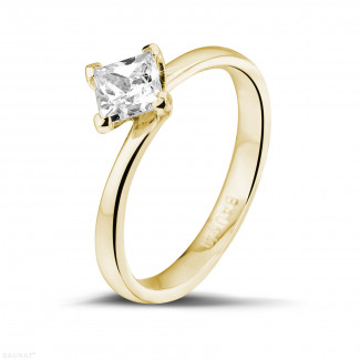 Engagement - 0.70 carat solitaire ring in yellow gold with princess diamond