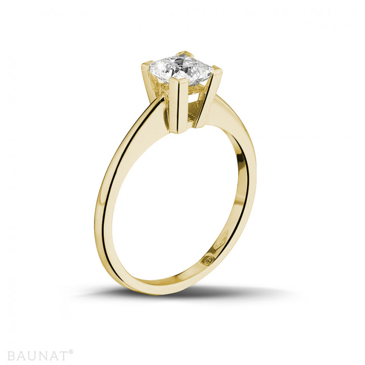 0.70 carat solitaire ring in yellow gold with princess diamond
