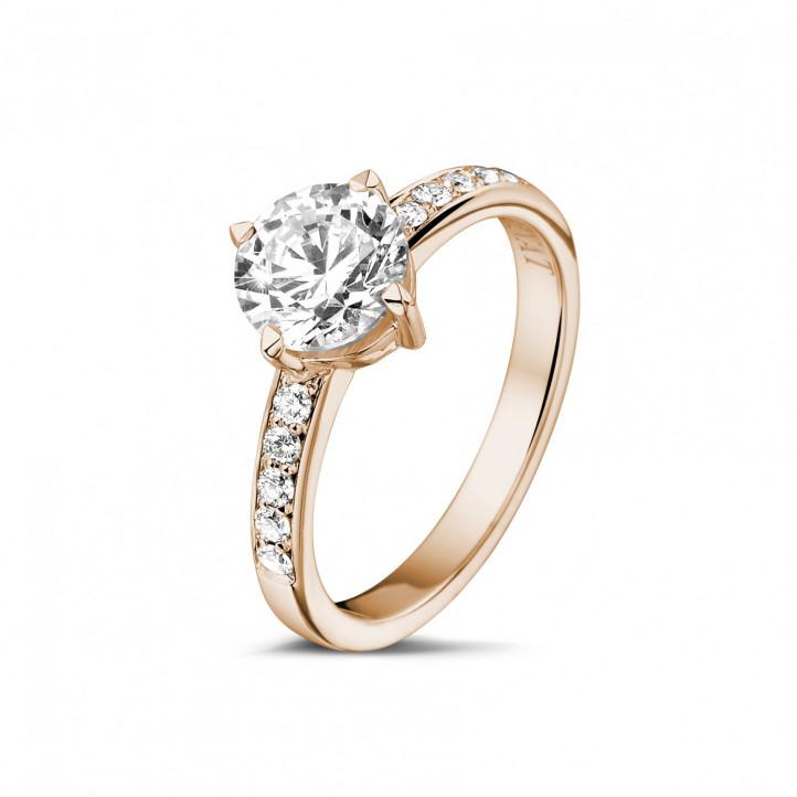 1.20 quilates anillo solitario diamante en oro rojo con diamantes en los lados
