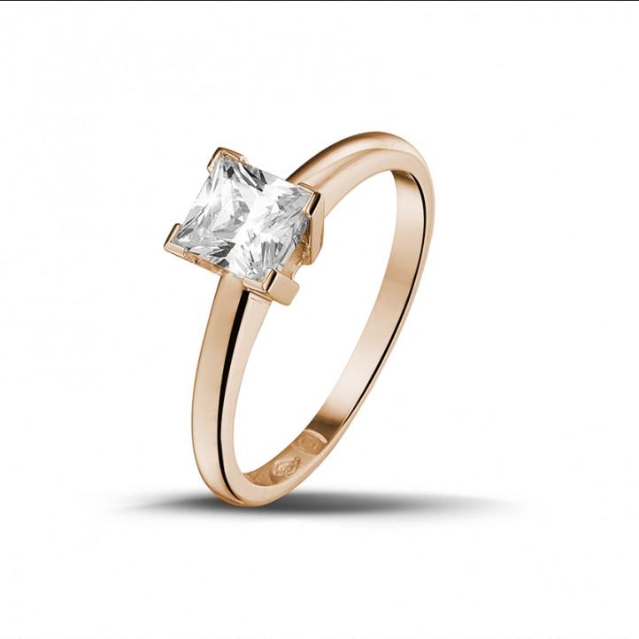 0.70 quilates anillo solitario en oro rojo con diamante talla princesa