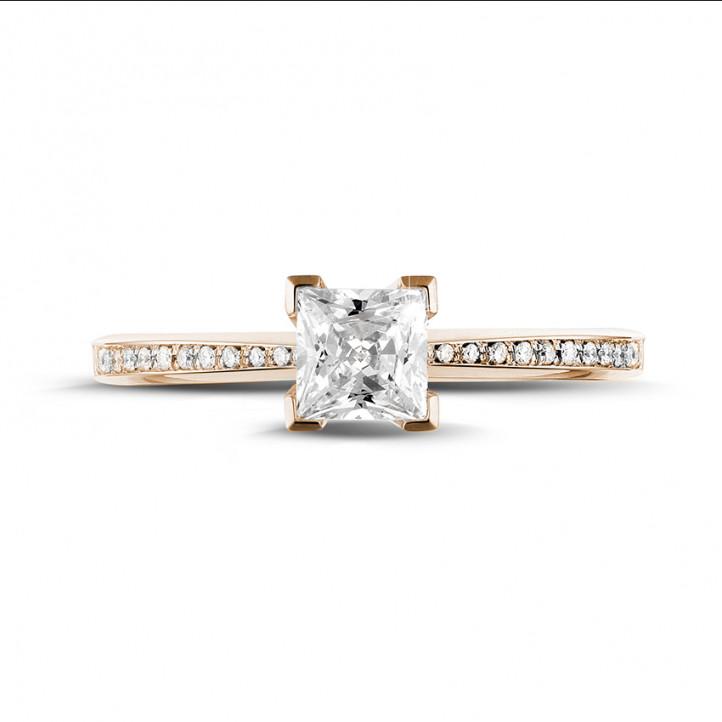 0.70 quilates anillo solitario en oro rojo con diamante talla princesa y diamantes laterales