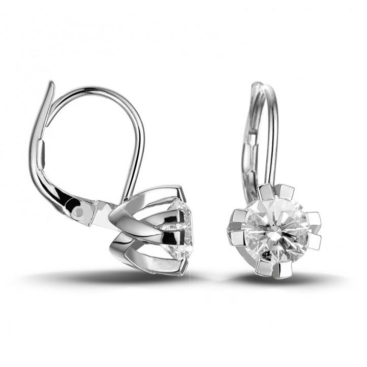 1.80 quilates pendientes diamantes diseño en oro blanco con ocho garras