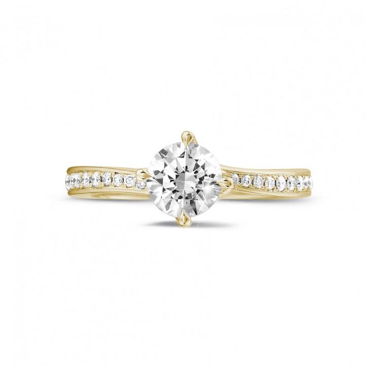 0.70 quilates anillo solitario diamante en oro amarillo con diamantes en los lados
