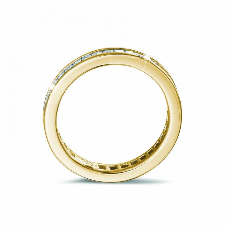 alianza 0.90 quilates en oro amarillo engastada de diamantes talla princesa (circunferencia completa)
