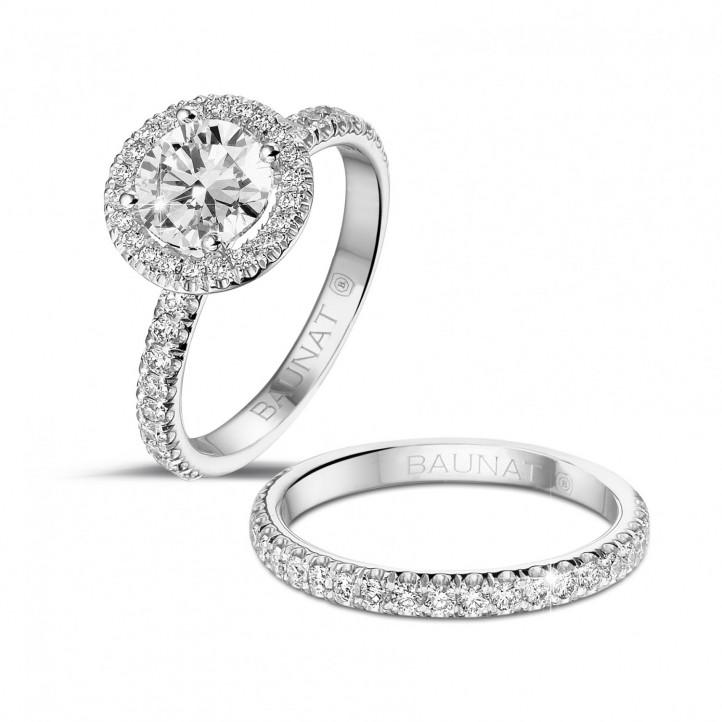 1.20 quilates Halo anillo solitario en platino con diamantes redondos