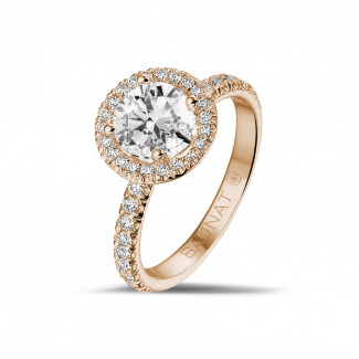 1.20 quilates Halo anillo solitario en oro rojo con diamantes redondos
