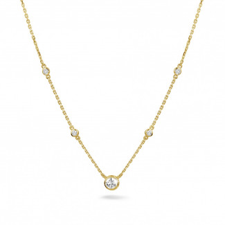 Gargantillas de diamantes - 0.45 quilates colgante diamante satélite en oro amarillo