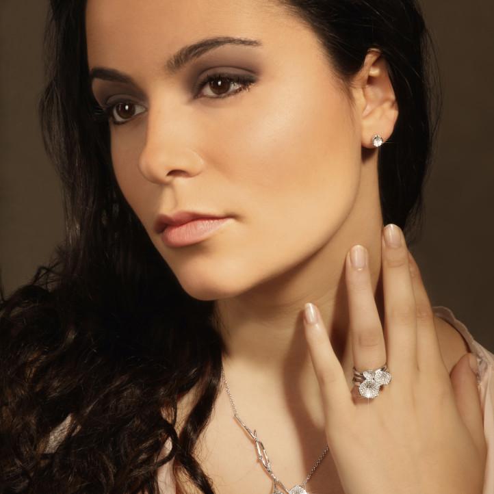0.90 quilates anillo diamante diseño trilogía en oro rojo