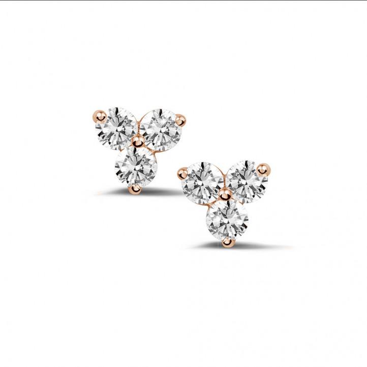0.60 quilates pendientes diamantes trilogía en oro rojo