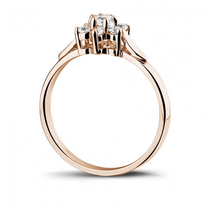 0.30 quilates anillo flor diamante en oro rojo