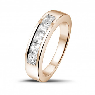 1.35 quilates alianza en oro rojo con diamantes talla princesa