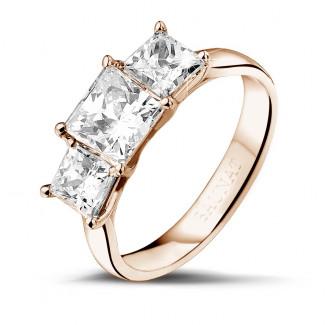 2.00 quilates anillo trilogía en oro rojo con diamantes talla princesa