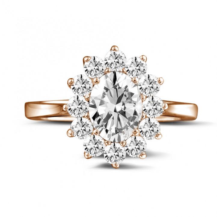 1.85 quilates anillo « entourage » en oro rojo con diamante ovalado