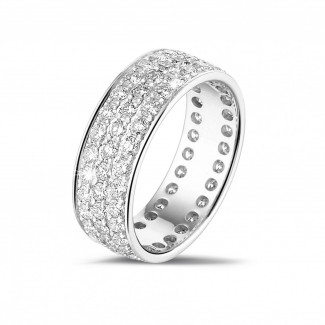 Anillo brillante - 1.70 quilates alianza (banda completa) en oro blanco con tres filas de diamantes redondos