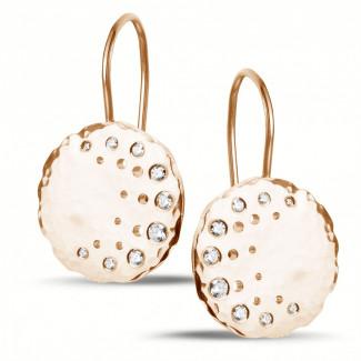 0.26 quilates pendientes diamantes diseño en oro rojo