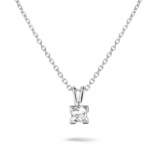 0.50 quilates colgante solitario en oro blanco con diamante talla princesa