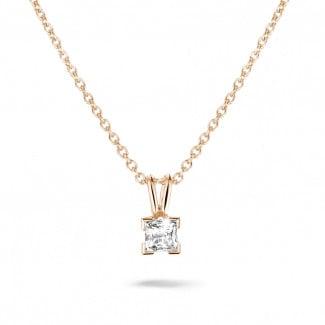 0.50 quilates colgante solitario en oro rojo con diamante talla princesa