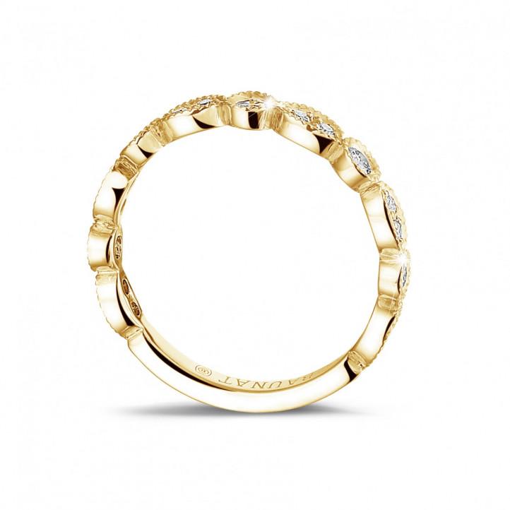 0.30 quilates alianza de combinación de diamantes en oro amarillo con diseño de marquesa