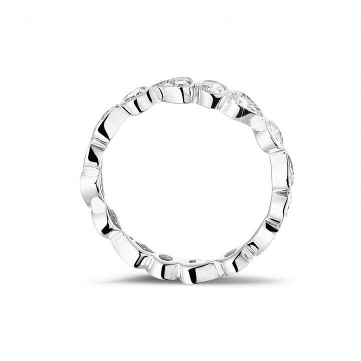 0.50 quilates alianza de combinación de diamantes en platino con diseño de pera