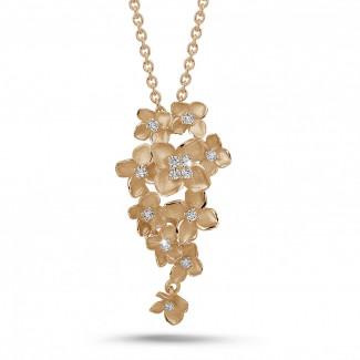 Gargantillas en Oro Rosa - 0.35 quilates colgante diamante diseño flor en oro rojo