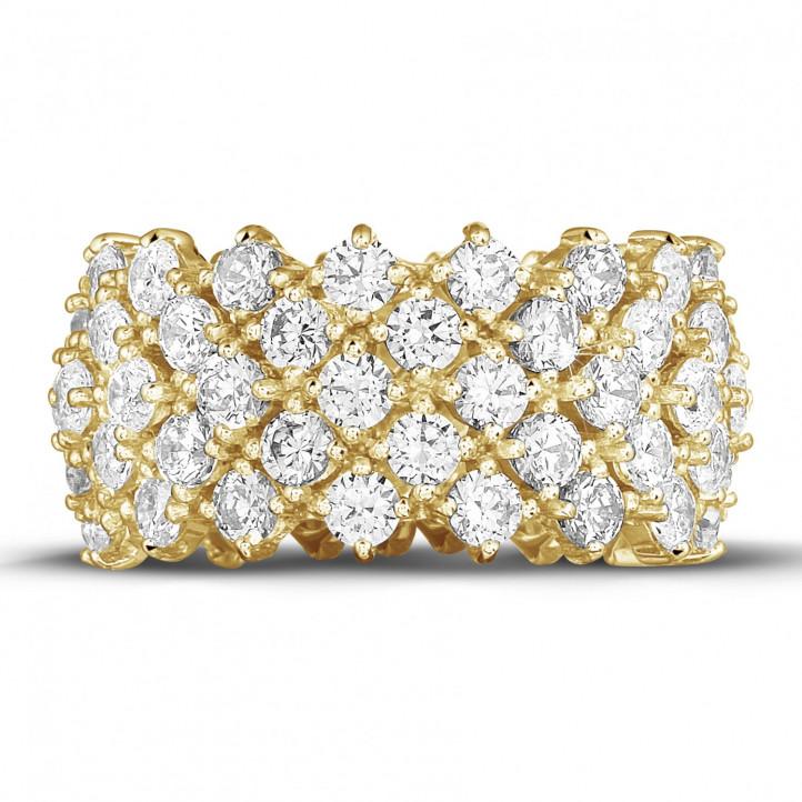 Anillo de diamante en oro amarillo con diseño de espina de pescado